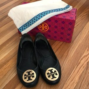 TORY BURCH black reva flats with gold logo